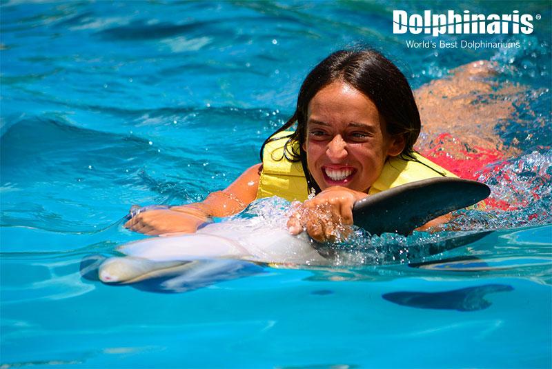 Actividad de Belly Ride en Dolphinaris Cozumel.