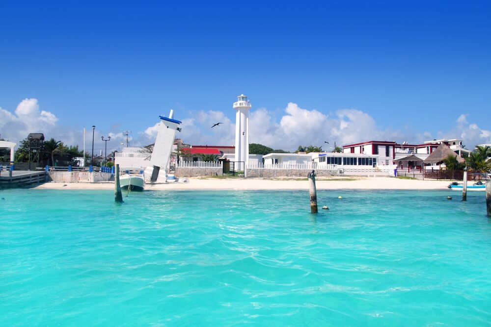 Puerto Morelos is a destiantion full of beaches.