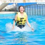 ¡El Foot Push al nadar con delfines es emocionante!