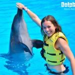 Asombrosa interacción con delfines en Dolphinaris.