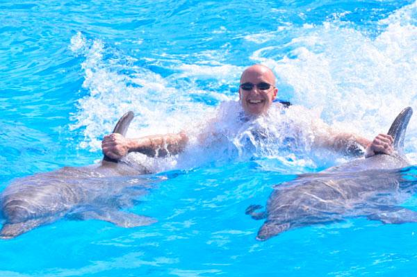 15 mejores lugares para nadar con delfines en el mundo [dolphinaris-explorer]