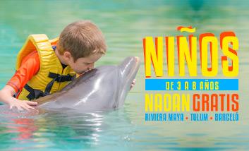 Niños nadan gratis con delfines en Dolphinaris Riviera Maya, Tulum y Barceló