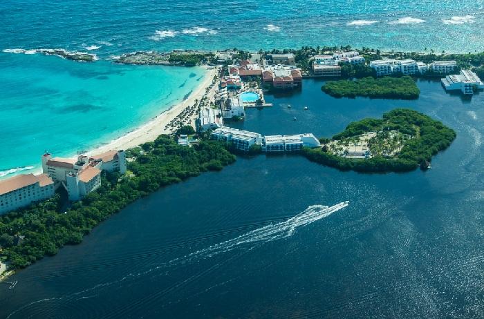 Cancun sea and lagoons in the Riviera Maya