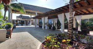 Area Lounge - Sundeck