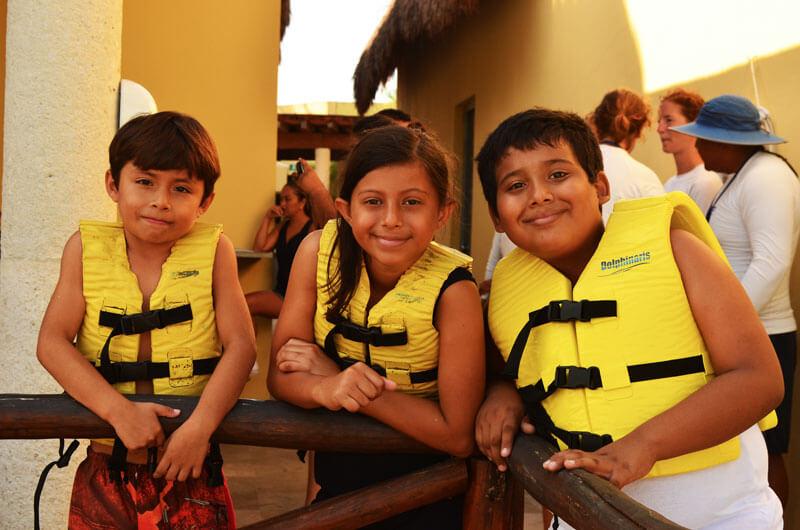 Dolphinaris programa educacional nadar con delfines Riviera Maya