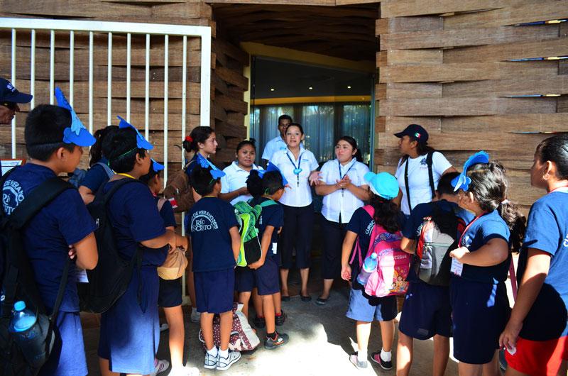 Dolphinaris programa educacional Riviera Maya Park