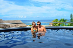 The Sundeck Lounge Dolphinaris Cozumel - Alberca al infinito