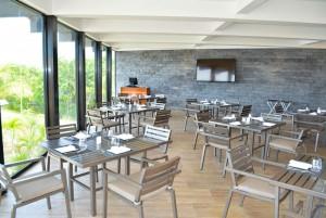 The Sundeck Lounge Dolphinaris Cancun restaurante fusion cocina mexicana internacional
